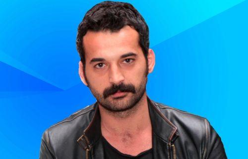Babasını öldüren ünlü sanatçı Orhan Şimşek 4 kez intihar girişiminde bulundu.
