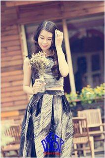 Đầm đẹp V@ 996 Ly Set nhung, áo groptop sát nách + chân váy dài xòe, màu đen phối vệt xám trắng (hàng 100% hình)